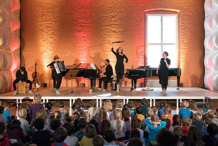 """Educationprogramm der Berliner Philharmoniker: 3-2-1-Los - Kunterbunter Klangsalat mit Studierenden der Hochschule für Musik """"Hanns Eisler"""""""